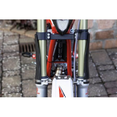 Protectores superiores horquilla de carbono Trial Tech 39mm