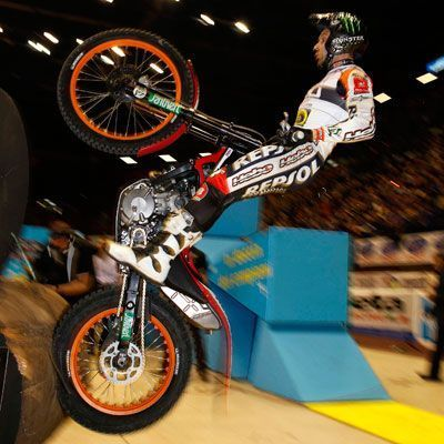 bou_indoor_400
